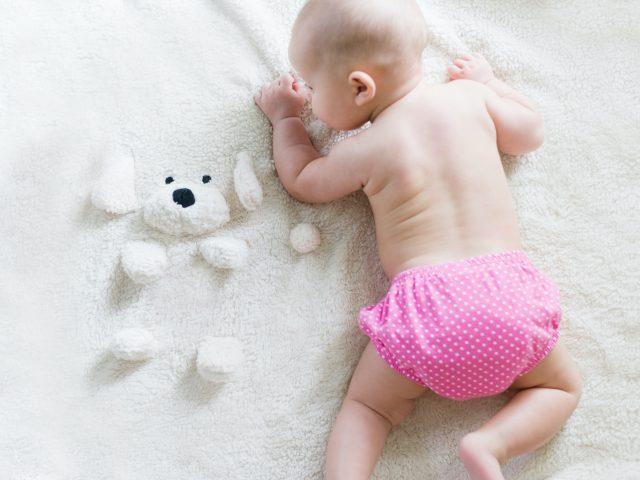 תינוקת
